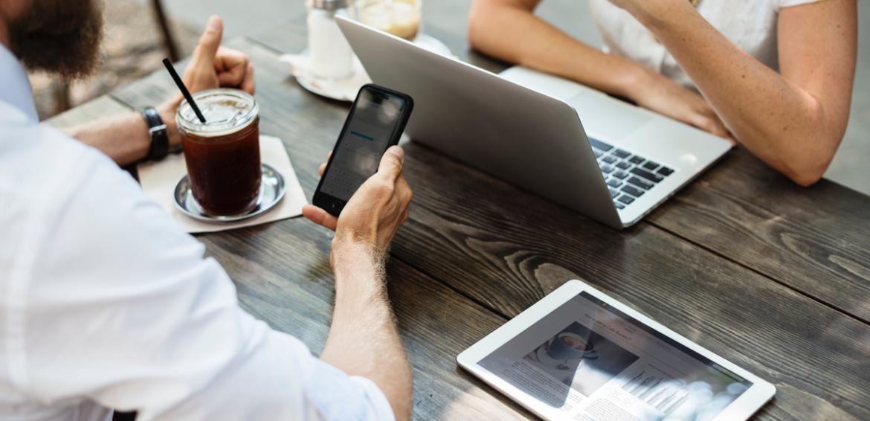 De voordelen van VoIP telefonie voor MKB-bedrijven | eLive